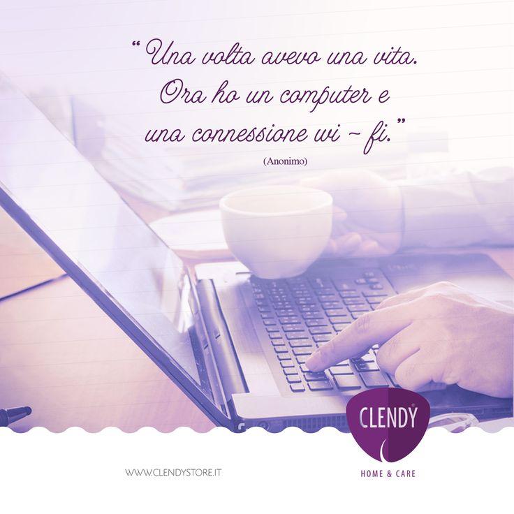 """Era il 1975 e Bill Gates fondava la Microsoft. La sua idea era di """"portare un computer su ogni scrivania e in ogni casa"""".  Quando si dice """"volere è potere""""!  #aforismi #clendy #aforismi #quotes #citazioni #web #vita #microsoft www.clendystore.it  Una volta avevo una vita. Ora ho un computer e una connessione wi-fi. (Anonimo)"""