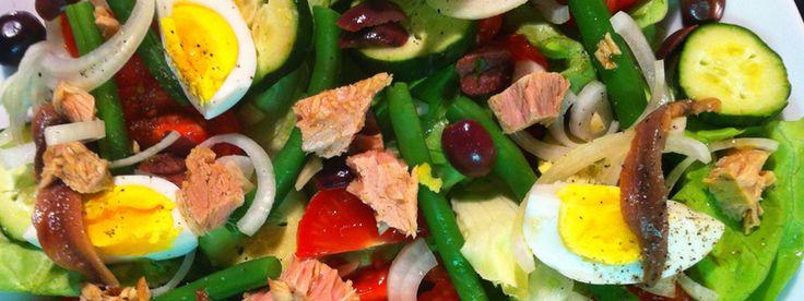 Makkelijk, snel en gezond: salade nicoise. Hier vind je het recept van Advance Beauty.