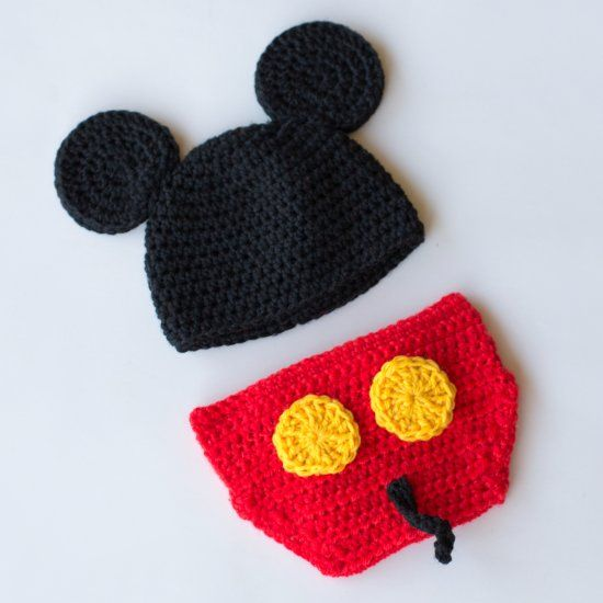 Learn how to create this adorable Mickey Mouse hat and diaper cover set! Free pattern available!