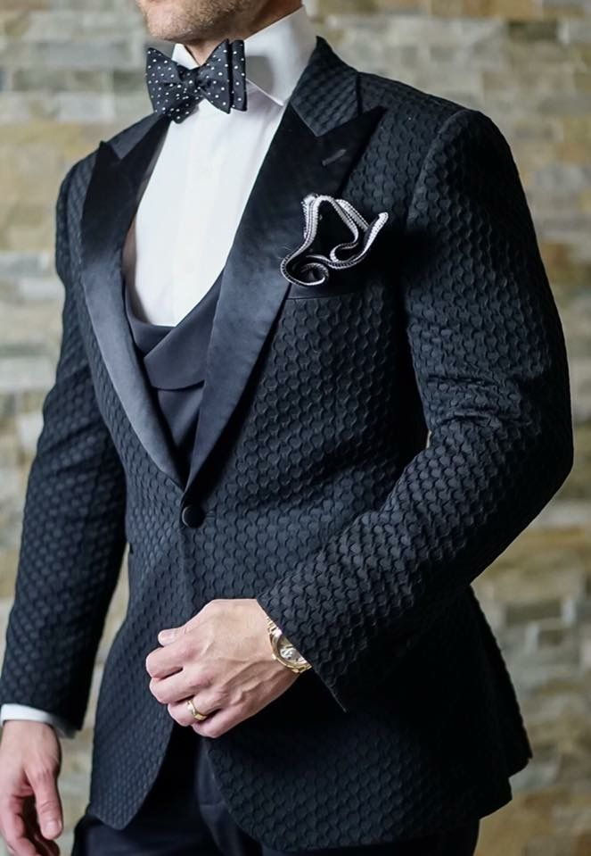 Speaks for itself. NO boutonniere needed! #tux #tuxedo #weddingidea