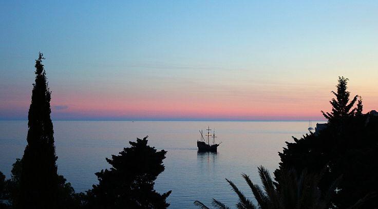 Luxury travel Dubrovnik. Best restaurants Dubrovnik. Best Hotels Dubrovnik. Things to do Dubrovnik.