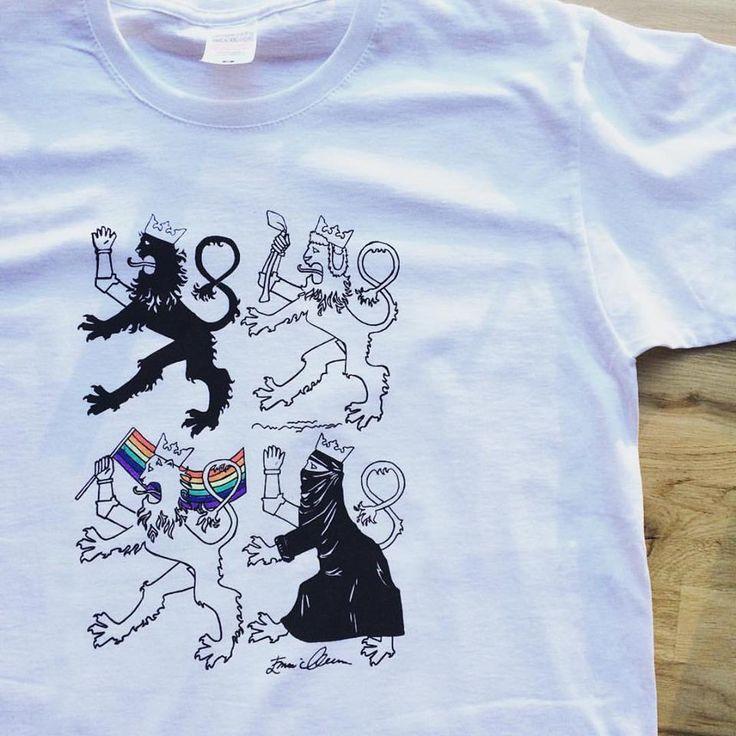 """""""Everyone's Lion"""" <3  Emmi Mustosen suunnittelemia '""""Kaikkien Leijona"""" -paitoja myynnissä RUPLAssa. Löytyy naisten ja miesten kokoja. Tästä ei paita enää ajankohtaistu! Huh.   #suomileijona #leijona #vaakuna #emmimustonen #ruplahelsinki #tpaita #suvakki #design #shirt"""