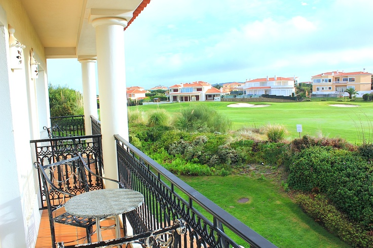 Dec 16, 2012. After some rain we are enjoying a sunny morning at the Marriott Praia d'el rey in Obidos Portugal.