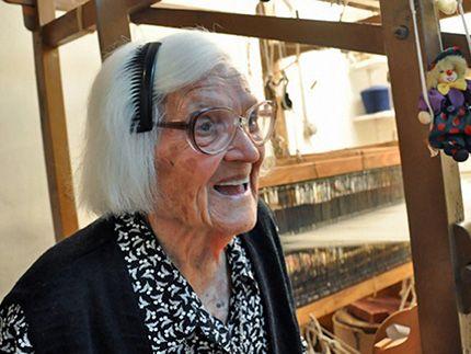 Η κυρία της Ικαρίας, 106 ετών|DOC TV | documenting everyday life