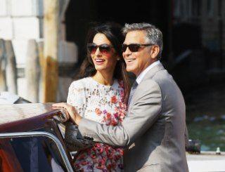 Джордж Клуни и Амаль Аламуддин сыграли свадьбу в Венеции. По словам отца невесты, брачный союз между Джорджем и его дочерью — «отличные новости» не только для семьи, но и всего Среднего Востока.