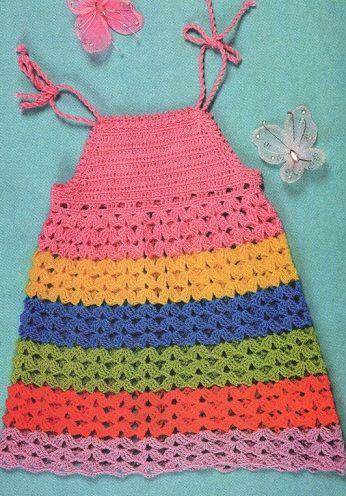 A cielo abierto del vestido de verano crochet para las niñas