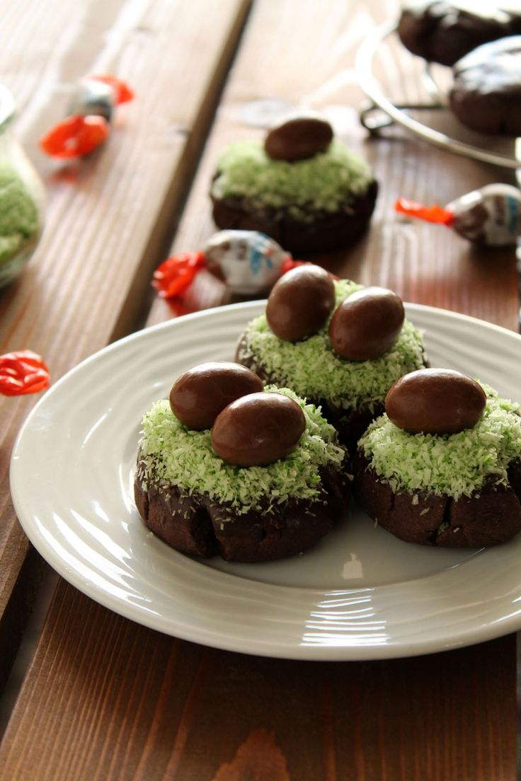 Cocoa Easter nests