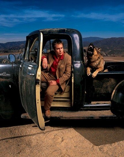 Sam Rockwell in Santa Clarita, California. Photography by Mark Seliger for Vanity Fair's October 2002 issue.