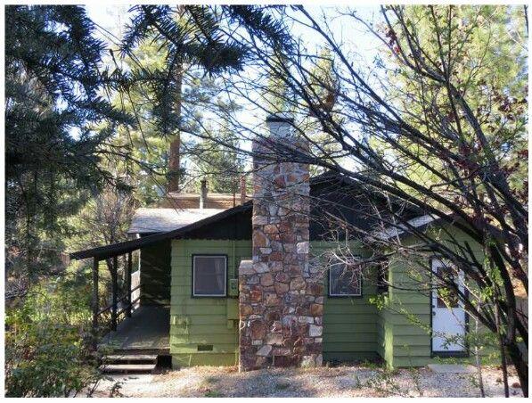 Big bear lake cabin vacation rental blocks from the for Big bear village cabins