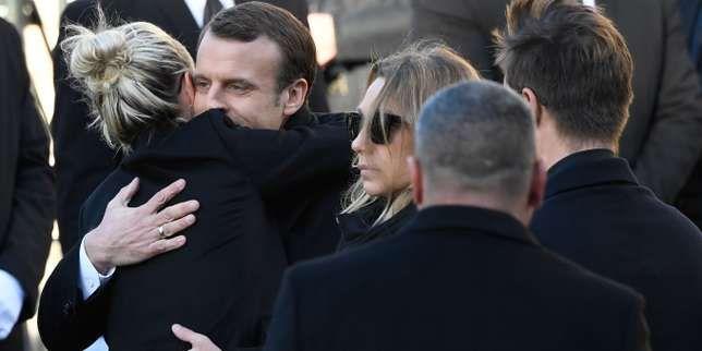 Des dizaines de milliers de personnes se sont réunies à Paris en hommage au chanteur mort dans la nuit de mardi à mercredi. Le président de la République a pris la parole devant l'église de la Madeleine avant le début de la cérémonie.