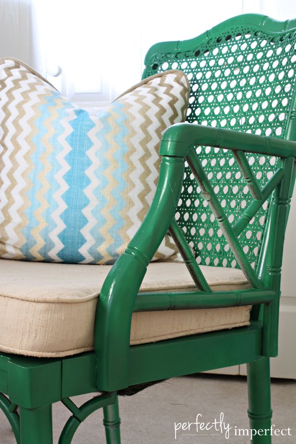 The bamboo chair |  3 coats of Krylon's Emerald Green in Gloss. - Perfectly Imperfect