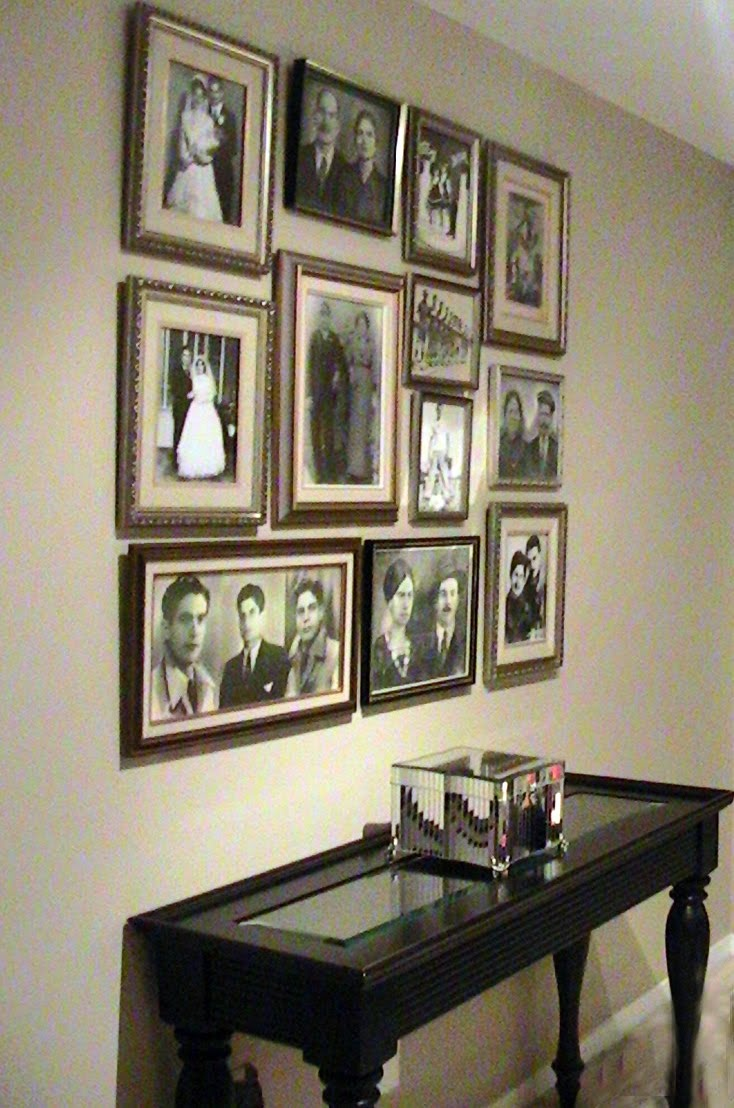 10 best arranging family photos images on pinterest picture walls family photos and family. Black Bedroom Furniture Sets. Home Design Ideas