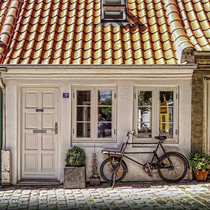 House and vehicle parked outside in #Aalborg #Denmark