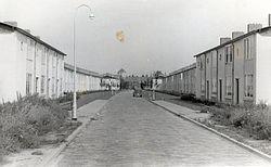 Woningen aan de Hulststraat, gezien van de Hoornbladstraat naar de Kroosstraat (in noordelijke richting).