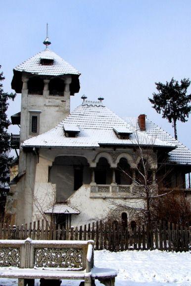 """Muzeul """"Vila Mina Minovici"""", Bucuresti, arhitect Cristofi Cerchez, 1906  http://casedeepoca.wordpress.com/"""