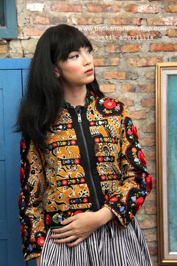 Compelling & seductive Batik Amarillis's Queen Of Hearts it's very Wicked ( in a good way) this is indonesia's tenun gedog Tuban features Hearts/floral Hungarian embroidery style,tassels,zipper front opening,this beautiful piece of clothing is truly a keeper of the heart!