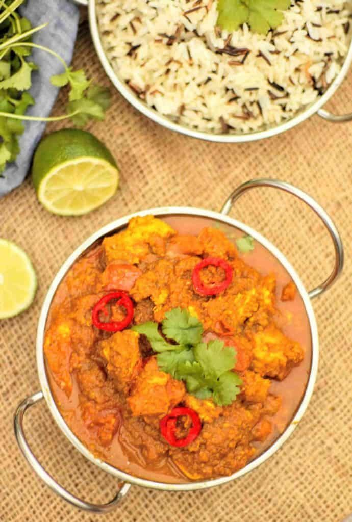 slimming world syn free chicken bhuna curry fakeaway tastefully vikkie in 2020 fakeaway recipes slimming world curry easy chicken dinners pinterest