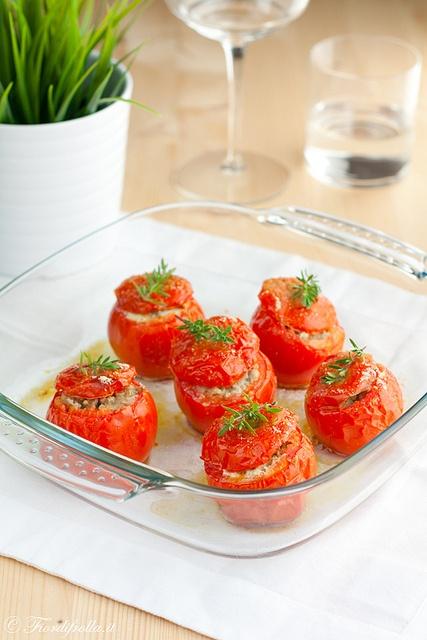 Pomodori farciti con carne trita e salsiccia