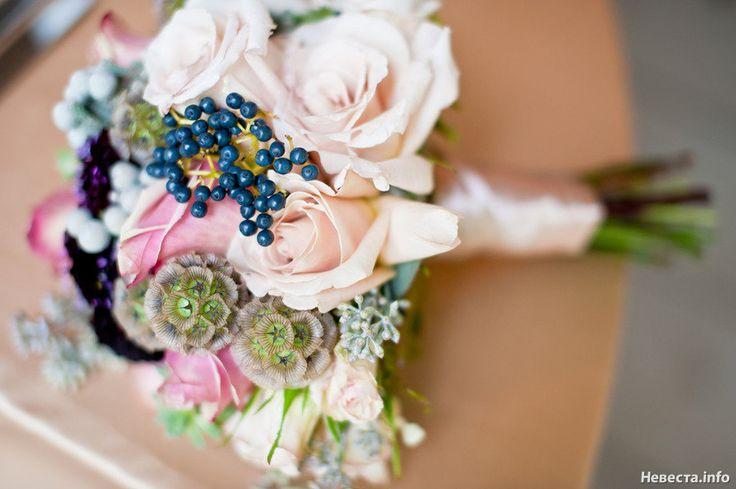 Букет невесты с ягодами