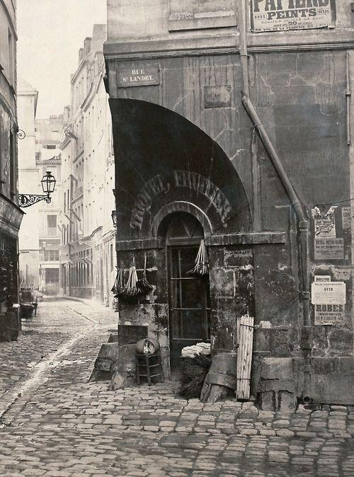 Charles Marville - Rue des Marmousets, Île de la Cité, Paris IVe (detail) - 1865