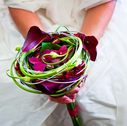 A modern wedding bouquet design, intimate, winding in