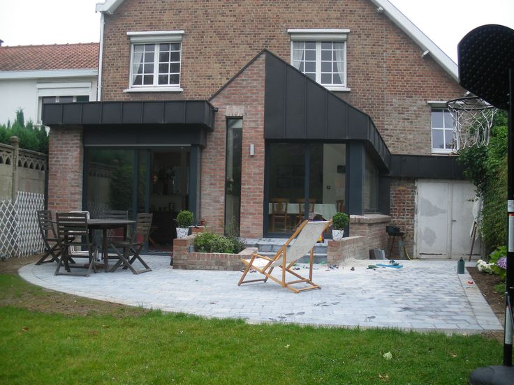 Briques zinc noir extension maison pinterest for Extension brique
