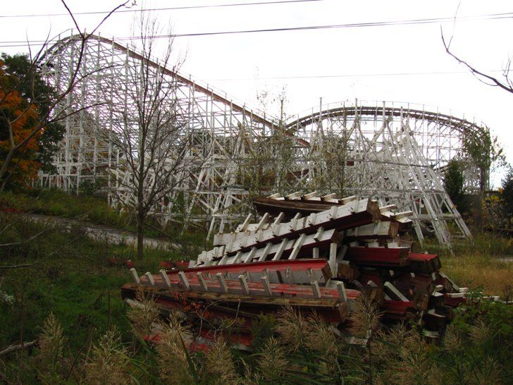 Pin for Later: These Empty Theme Parks Around the World Are BEYOND Creepy Geauga Lake Park in Ohio