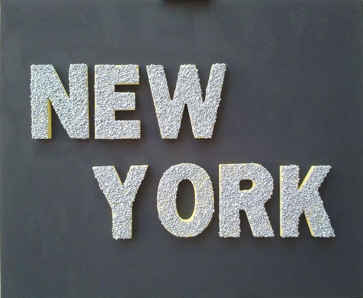 New York - 2011 - Acrilico su tela con lettere di legno e ciottoli - Acrylic on canvas with wooden letters and pebbles 50x60cm