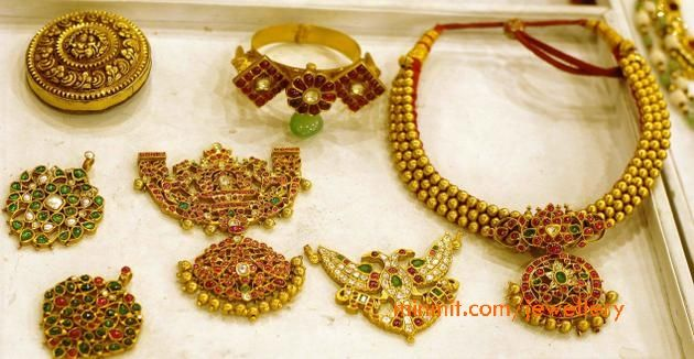ruby-kempu-temple-jewellery-pendants-harams
