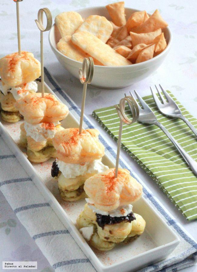 """Bocaditos de hojaldre al pesto con queso de cabra y tomate seco. Una receta de aperitivo """"de cine"""""""