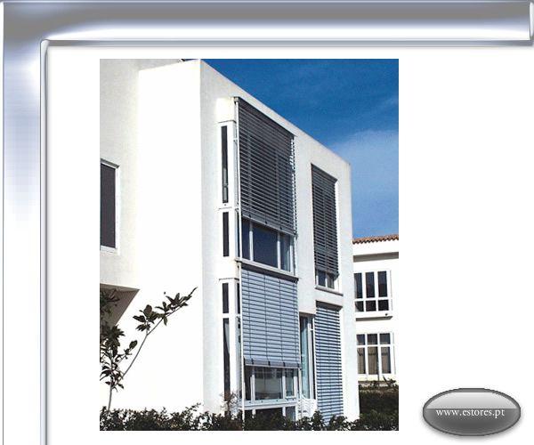 Os estores Brisa da Luxestores são a solução ideal para a protecção e sombreamento das fachadas, reflectindo até 80% dos raios solares; a orientação das lamelas permite a regulação da luminosidade a qualquer altura do dia, permitindo a vista quase total para o exterior. A larga gama de cores para as lamelas e guias laterais, em conjunto com a vasta série de soluções técnicas, permite ao Arquitecto/Projectista e construtor a solução técnica e visual ideal para as fachadas. Os estores brisa da…