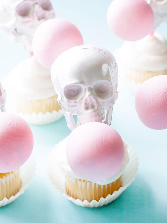 Bubblegum Skull Cupcake Toppers Halloween Crafts Diy Inspiration