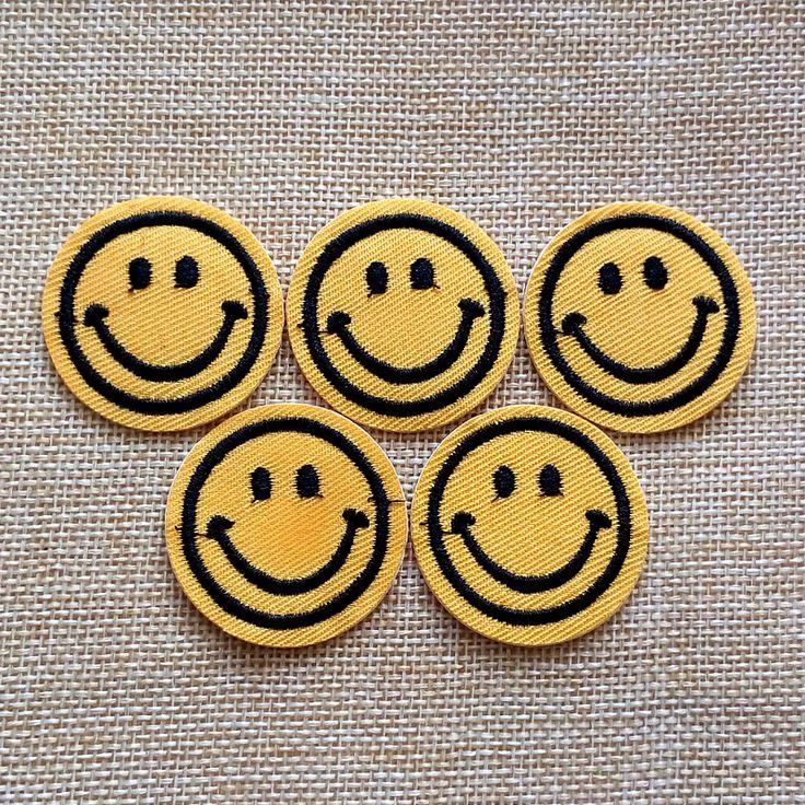 Набор 5 шт. Emoji Улыбающееся Лицо Патч для Одежды Железа На Швейной Вышитые Аппликация Одежда Наклейки Одежды Швейная Фурнитуракупить в магазине No.7CollectionнаAliExpress