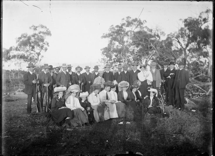 230806PD: Group portrait of men and women in their 'Sunday best' clothing, Derby, ca. 1898. https://encore.slwa.wa.gov.au/iii/encore/record/C__Rb3769080