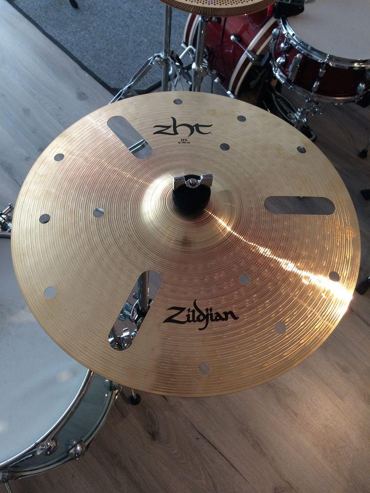 Zildjian Zht EFX - Cool, skitig & lagom elak effektcymbal som inte kostar skjortan.. Glöm inte att kolla in www.slagverkskompaniet.se #trummor #trommer #rummut #drums #slagverkskompaniet #forshaga #forshagarocks