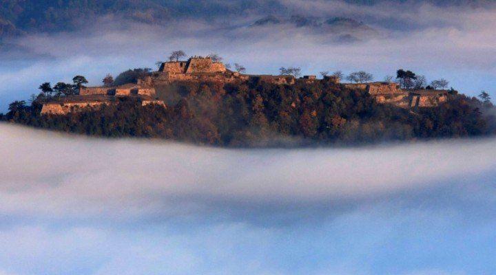 Le château dans le ciel: château de Takeda