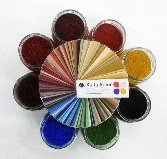 Kulturkulör för linoljefärg  Vilka möjliga färgskalor kunde åstadkommas förr, då man blandade något av de traditionella pigmenten i linoljefärg? Kulturkulör är ett nytt färgsystem framtaget av Riksantikvarieämbetet i samarbete med NCS Colour AB.
