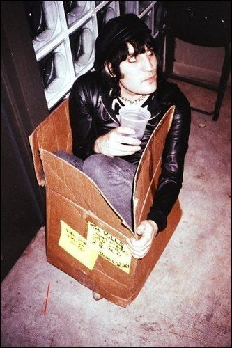 "I used to use this picture as my skype avatar for a while..  and i even didn't know anything about noel, just the kills.... i used this, because its a ""the kills box"" :D   oooo, i hav to listen to black rooster or something from them now...  :)"