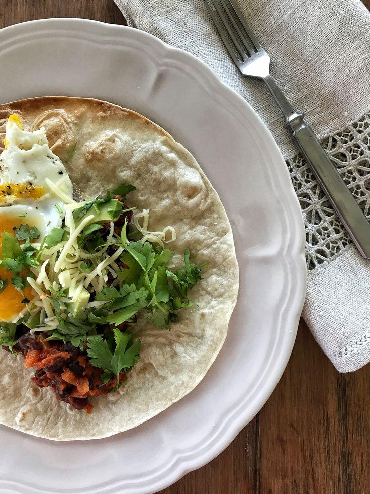 Meksikolainen papu-muna-aamiainen – not a boring meal! http://maijanmaailma.fi/meksikolainen-papu-muna-aamiainen-not-a-boring-meal/