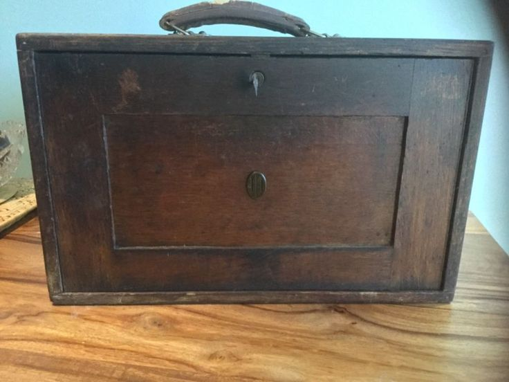 """VINTAGE """" CQR """" WOODEN ENGINEERS TOOL CHEST, CABINET, BOX,WITH CONTENTS WITH KEY"""