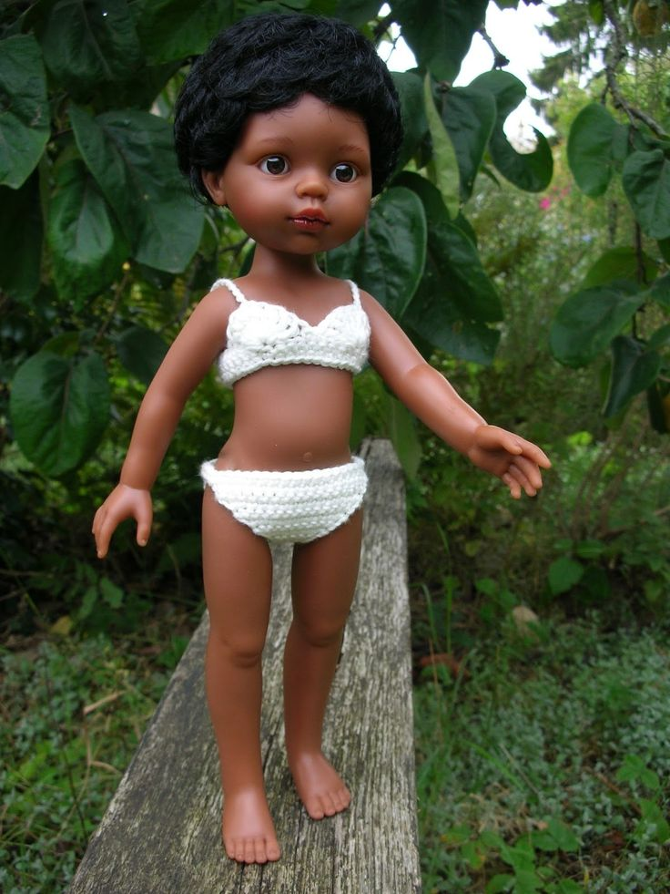 Réalisation de Line d'après deux modèles de mon livre Le dressing de ma poupée