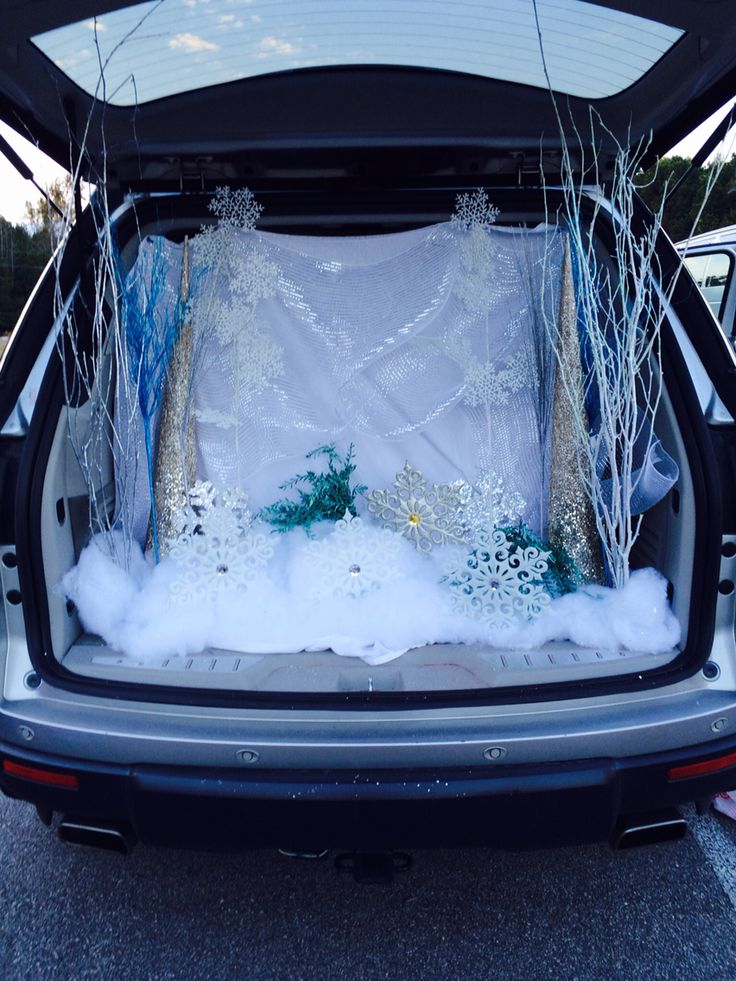 trunk or treat with a frozen theme