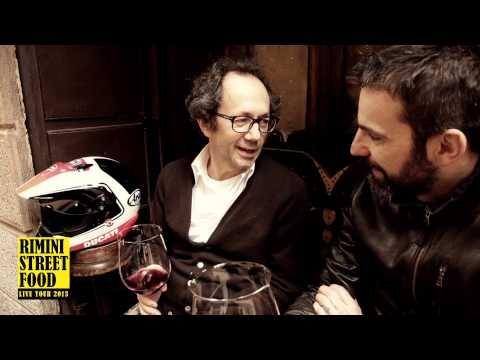 """Uno dei luoghi storici di Verona... Rimini Street Food incontra lo chef de """"La Bottega del Vino"""", un luogo magico, dove ogni sera si riuniscono tantissimi appassionati di vino, e dove si possono trovare soggetti unici, come vecchie glorie della lirica..."""