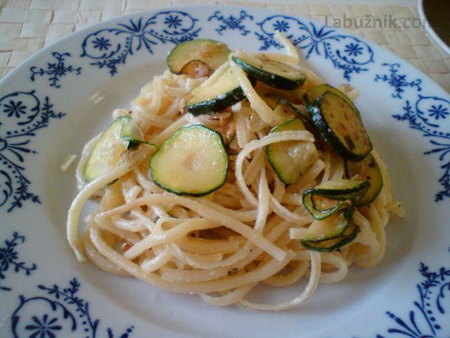 Špagety s cuketou