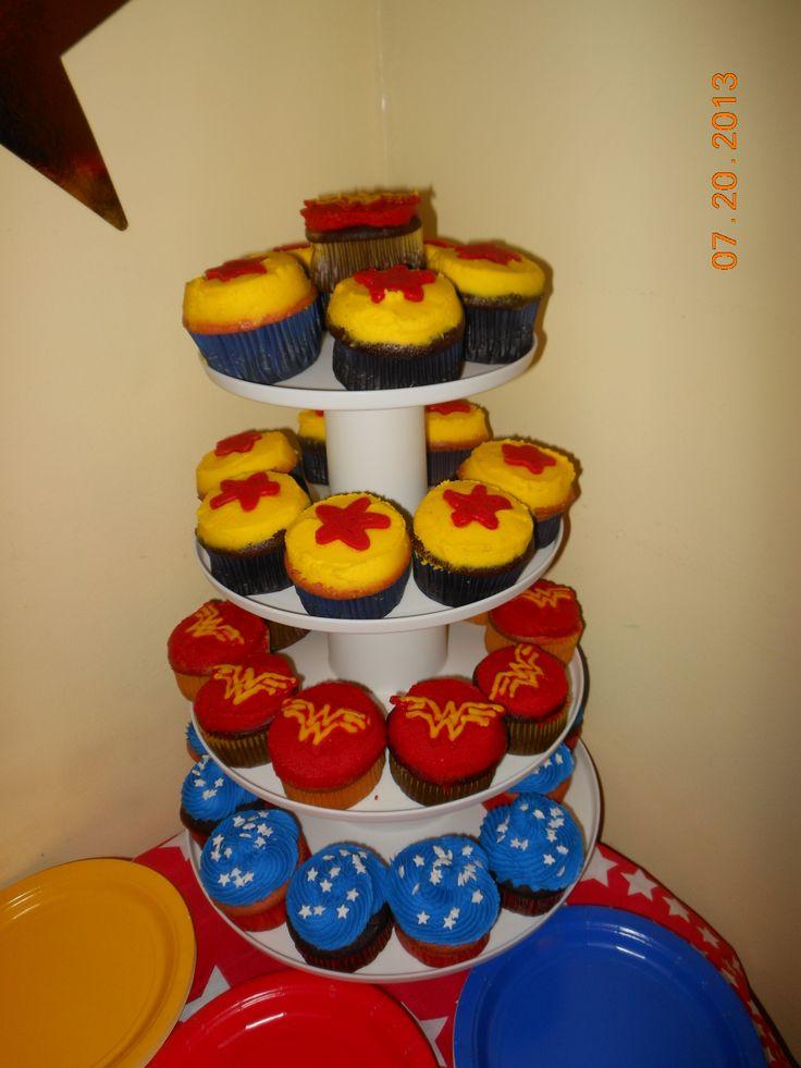 Wonder Woman Cupcakes Jenn E Bakes Pinterest Wonder