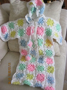 Free Crochet Bunting Bag Patterns : 17 Best images about CROCHET BABY BUNTING BAGS on ...
