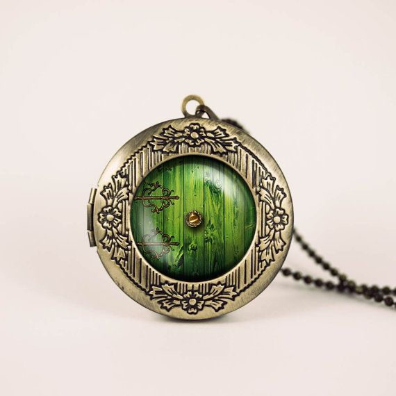 lord of the rings hobbit door hole cozy bilbo baggins vintage pendant locket necklace I need this...now