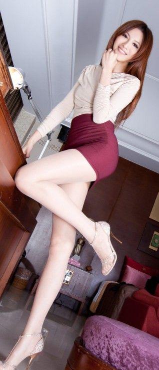 long legs tight pussy