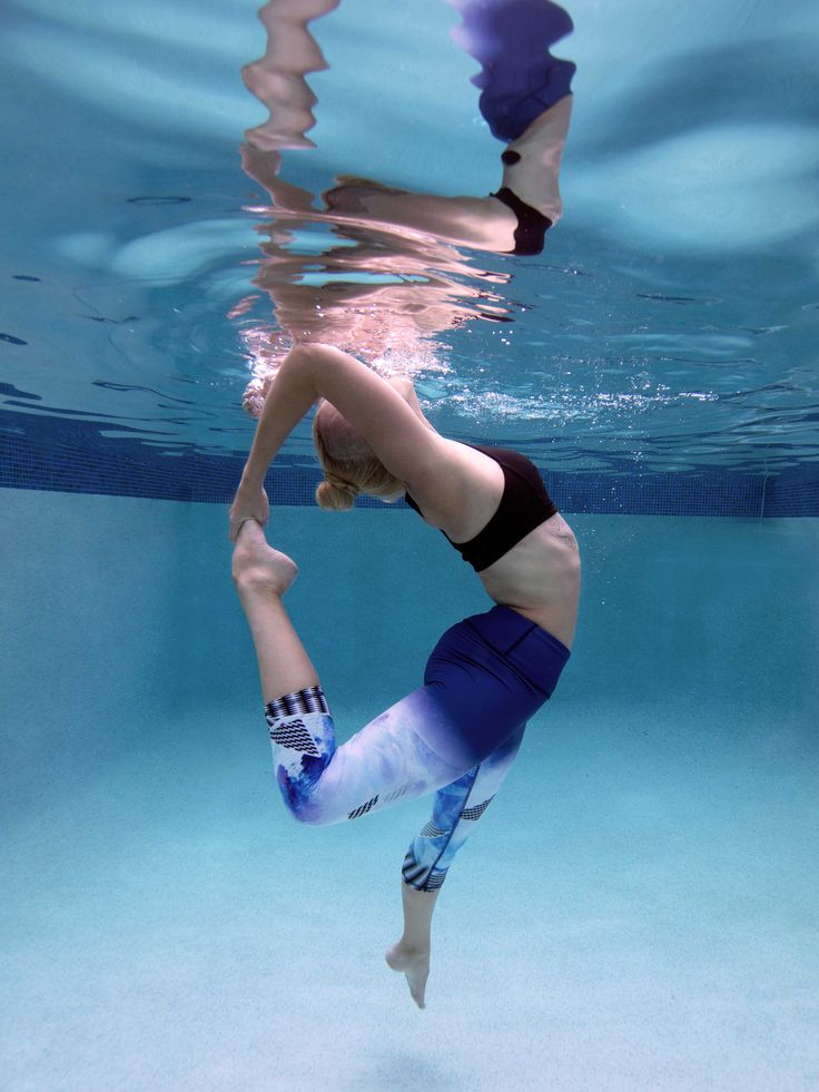 Amazing underwater shot of Danique shot by Seagypsea Photography in our Cosmic Flair Capris www.lunajai.com