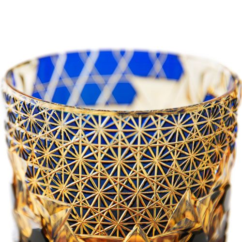 """多彩なデザイン、表情を持つ""""琥珀色""""の但野硝子加工所 江戸切子のロックグラス"""